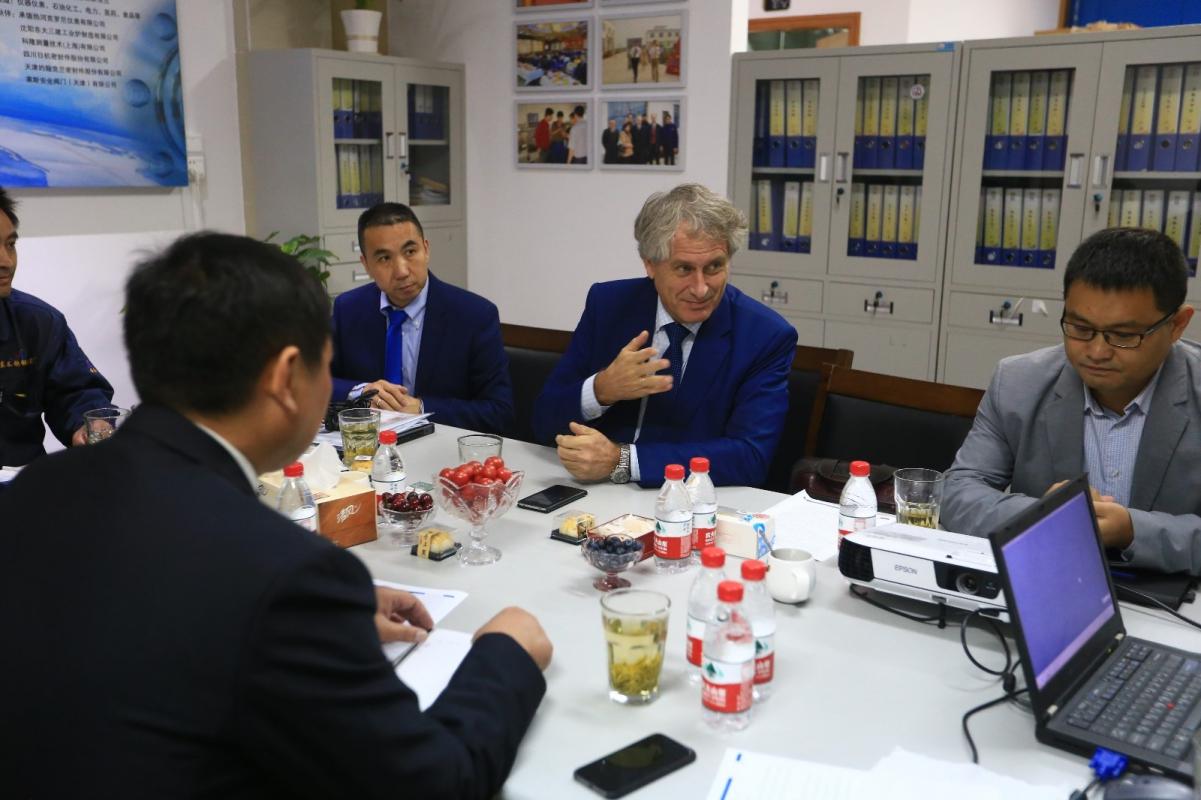 德国科隆集团领导和兴东员工交流